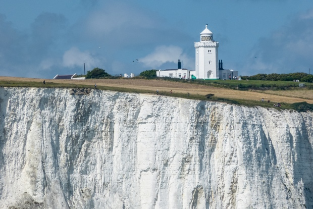 Dover_cliffs,_South_Foreland_Lighthouse_(7961913220).jpg